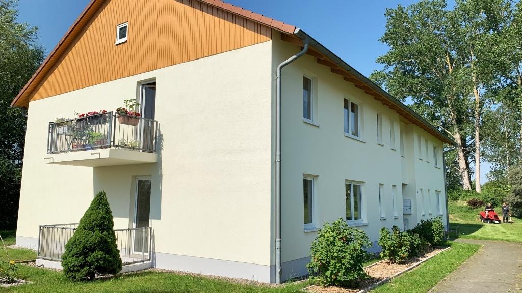 Helle Wohnungen mit Balkonen